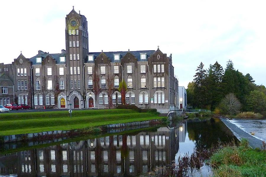 Newbridge_College
