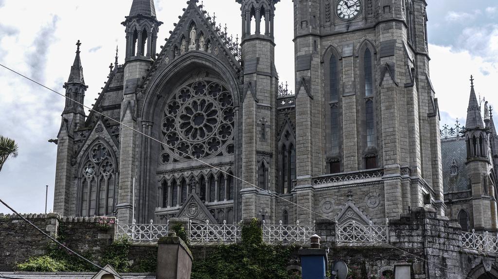 st-colmans-cathedral-cobh_3332143_l